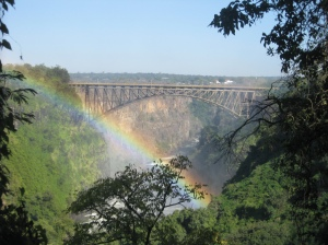 Victoria Falls Bridge - Rainbows and bridges by Shaun D Metcalfe is licenced under CC by 2.0 (from Flickr.com)