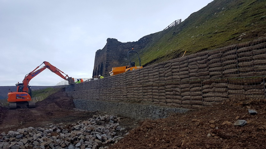 Rosedale landslip repairs autumn 2016 - last few gabion baskets going in. Copyright NYMNPA.