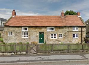 Holly Cottage, Lythe