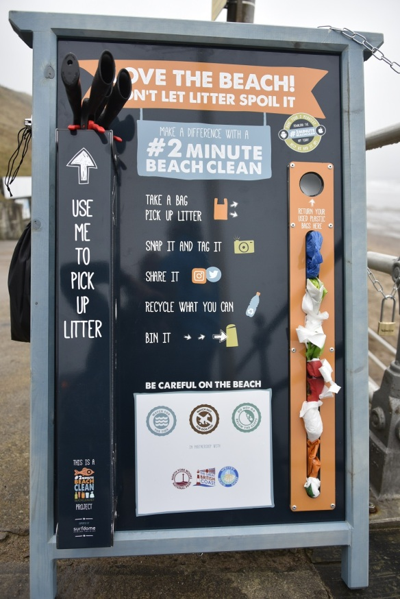 Close up on a #2minutebeachclean board. Copyright NYMNPA.