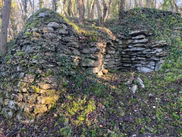 Lime kiln north of Sinnington (HER 4981). Copyright NYMNPA.